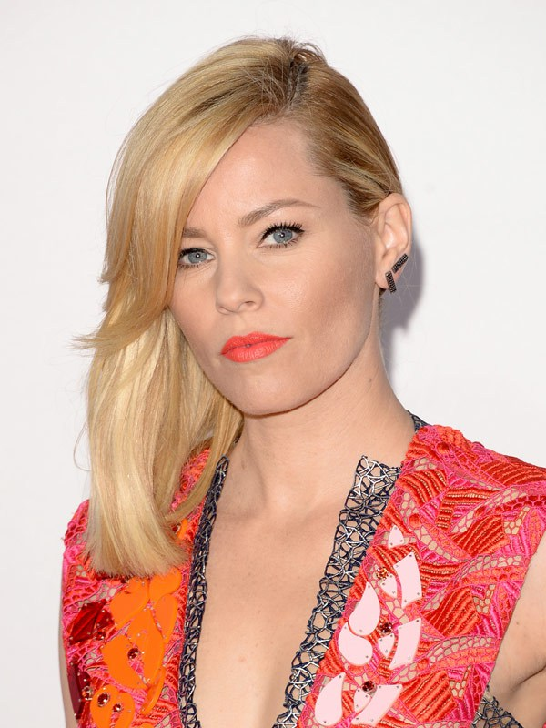 elizabeth-banks-american-music-awards-2014-amas