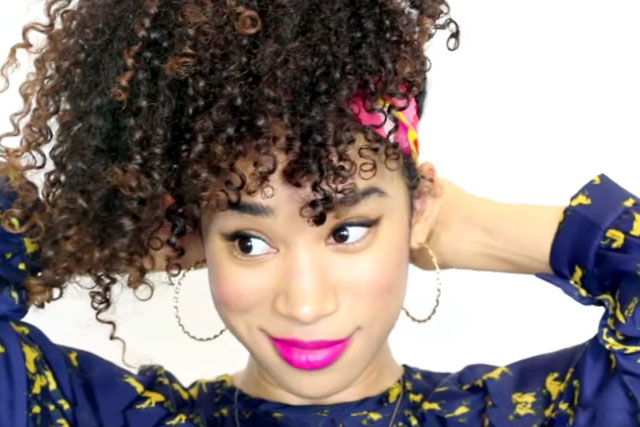 The Twist by NaturallyCurly.com_ananas-updo-ricci-cliomakeup