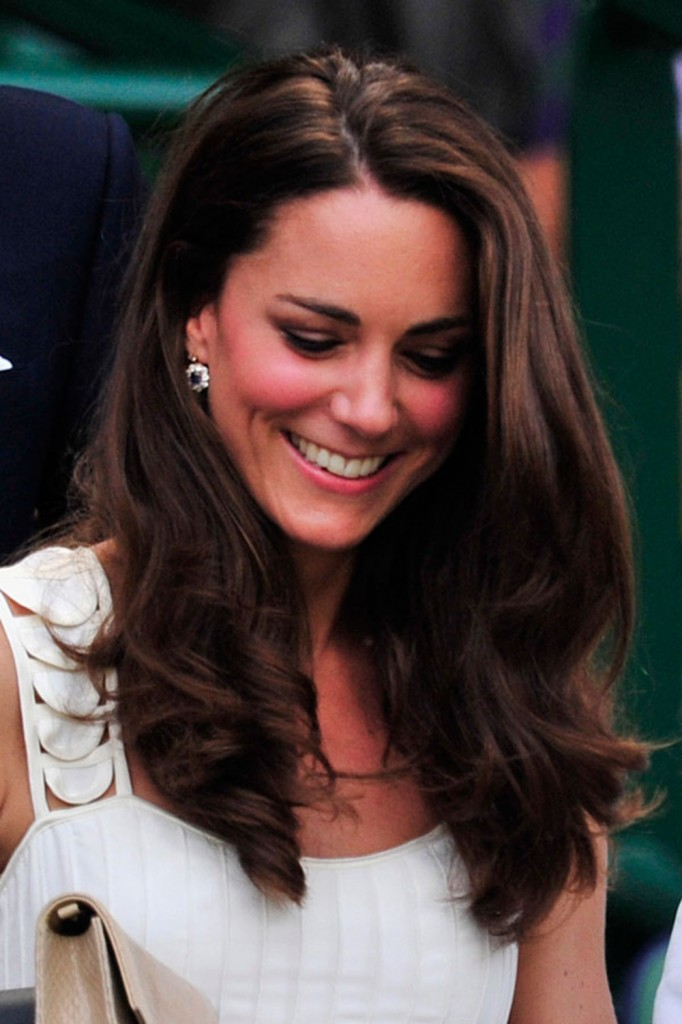 kate-middleton-dyes-hair-a-glossy-dark-brown-hue-for-winter-136905_w1000
