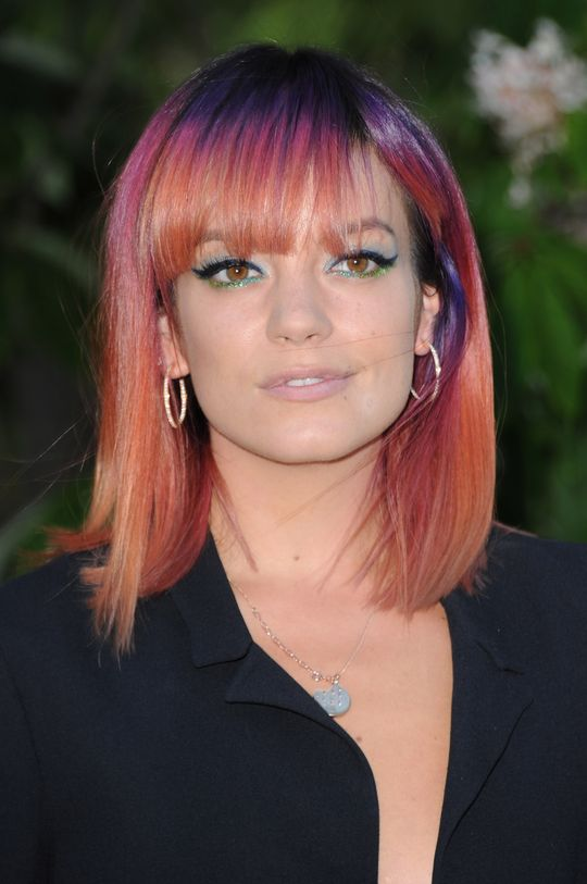 lily-allen-rainbow-beauty-trend-w540