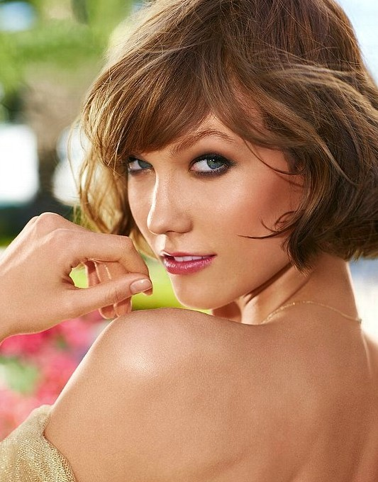 Lovely-Short-Hairstyle-for-2014-KarlieKloss-Hairstyle-with-Bangs