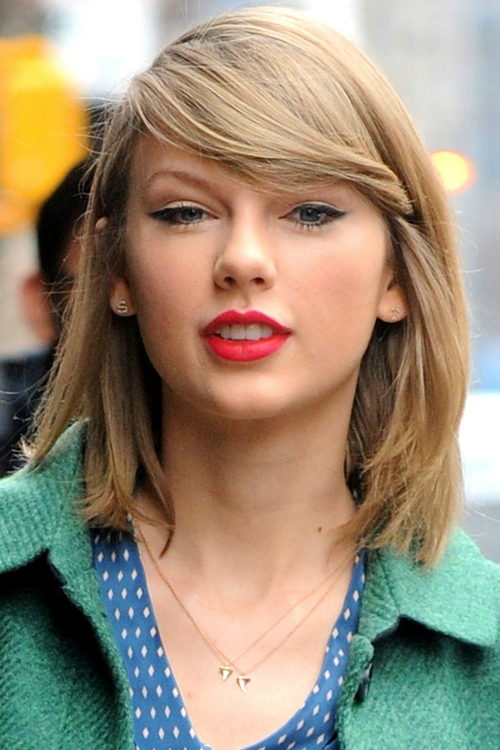 Taylor-Swift-Hairstyles-With-Fringe-Bangs-2014-Img