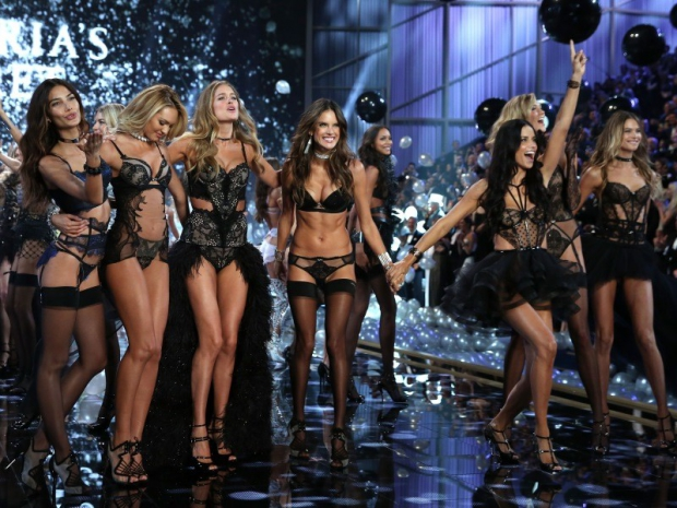 Victoria-s-Secret-Fashion-Show-2014_oggetto_editoriale_620x465 (5)