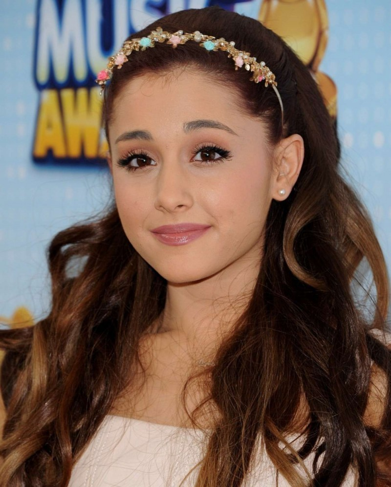 ariana-grande-2013-radio-disney-music-awards-09-20140903094959-5406e447551dd