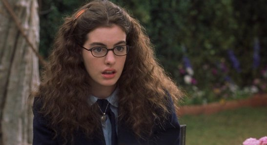august-2001-she-made-her-debut-on-the-big-screen-playing-mia-thermopolis-in-the-popular-film-the-princess-diaries