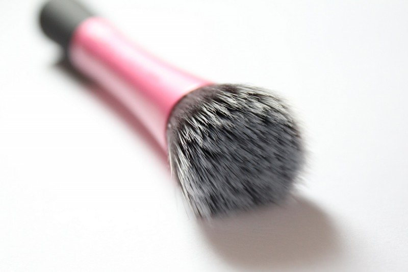 Real-Techniques-Stippling-Brush-Review-3