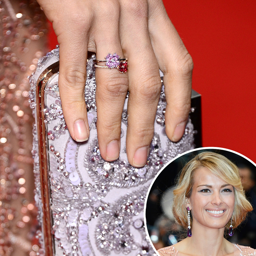 Matching-her-manicure-her-dress-Petra-Nemcova-painted-her-nails